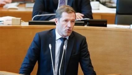 Le discours politique exemplaire de Paul Magnette pour refuser le CETA | Econopoli | Scoop.it