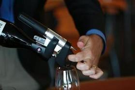 Don't pull the cork - just pour the wine | Autour du vin | Scoop.it