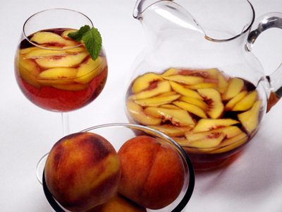 Peaches in Red Wine   Drink   Le Marche and Food   Scoop.it