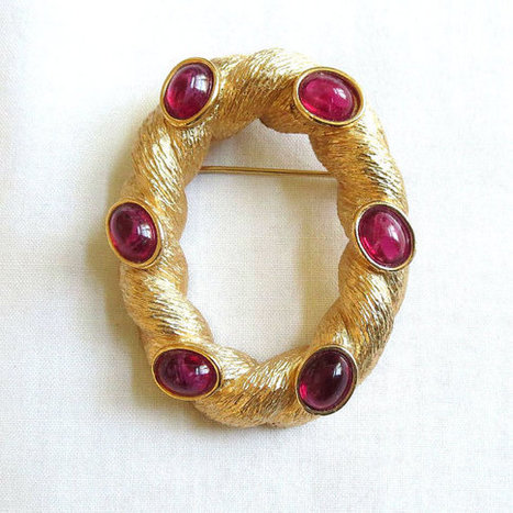 Vintage Crown TRIFARI signed Flawed Cranberry Glass Cabochons Oval Brooch   Favorite Vintage Jewelry   Scoop.it