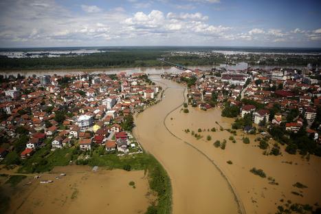 Meurtrières inondations dans les Balkans - Paris Match | Inondation Serbie | Scoop.it