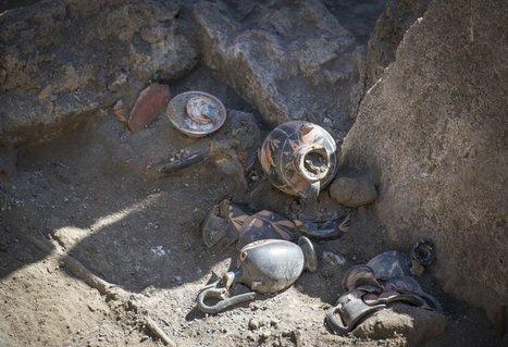 La Pompei sconosciuta. Ritrovata tomba sannitica: era di una donna  - Napoli - Repubblica.it   Clássicas   Scoop.it