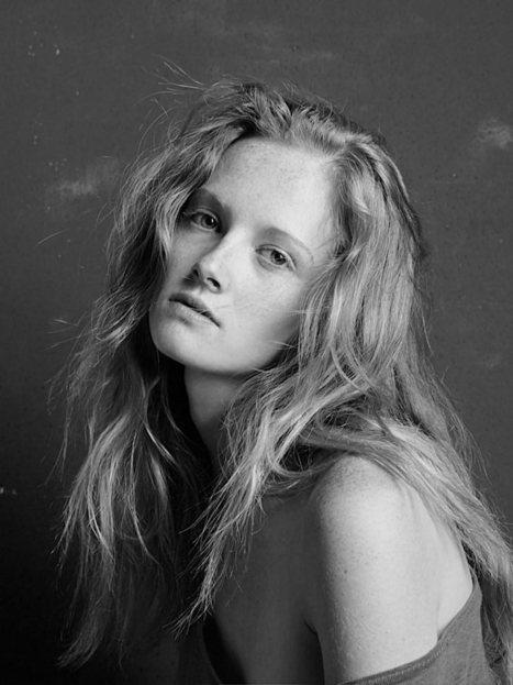 Juliette Sainlez by Nicolas Le Forestier @ 'les filles / itérabilité' on tumblr.com | CHICS & FASHION | Scoop.it