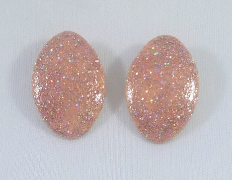 Glitter Shimmer Sparkle Shine Up Cycled Vintage Clip On Earings Repurposed 1950s Oval Button Style Tracy B Designs Custom Jewelry Design | Vintage Jewelry | Scoop.it