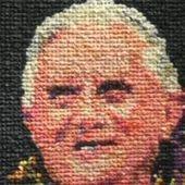 Une artiste a réalisé un portrait de Benoît XVI avec 17 000 préservatifs - RTBF | Un peu de tout et de rien ... | Scoop.it