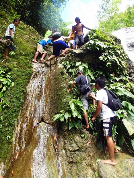 Extreme River Trekking and Spelunking Binuthan Cave in Bonbon, Cebu | Philippine Travel | Scoop.it