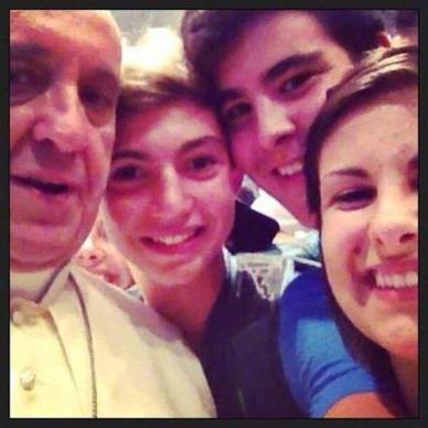 Il selfie conquista lo Zingarelli, è parola dell'anno - Cultura   SOCIAL MEDIA ADDICTION   Scoop.it