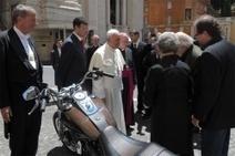 La Harley-Davidson du Pape mise aux enchères - Le Repaire des Motards | Moto Emotion... | Scoop.it