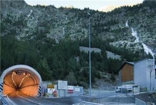 El Ministerio del Interior ofrece efectivos de Guardia Civil para reducir el cierre nocturno del Túnel de Bielsa | Vallée d'Aure - Pyrénées | Scoop.it