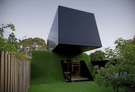 Andrew Maynard Renovates a Modern Melbourne Home With a Giant Grassy Hill! | sustainable architecture | Scoop.it