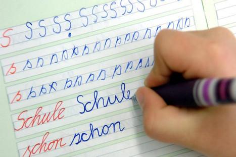 Mit der Schreibschrift soll ein weiterer Teil deutscher Kultur ...   Von Sylt bis Zermatt - über 1000 km Deutsche Sprache und Deutsche Kultur   Scoop.it