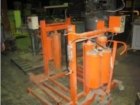 Pallet Lift   Coast Machinery Group   Scoop.it