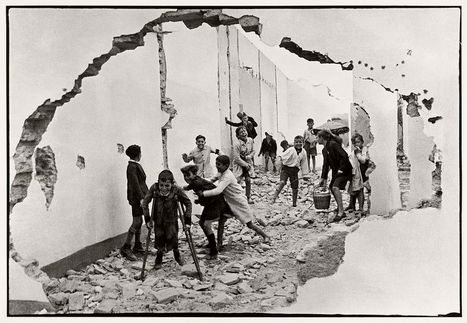 Vintage Photos of Everyday Life in Spain by Henri Cartier-Bresson | Urban Decay Photography | Scoop.it