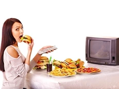 Mangiare senza tv fa dimagrire, è il crunch effect | Italica | Scoop.it