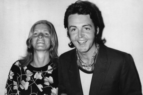 15 Years Ago: Paul McCartney Makes Emotional Appearance at 'Concert for Linda' | Paul McCartney | Scoop.it