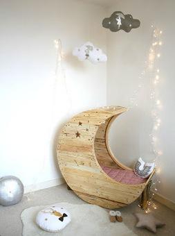 A rocking cot for your babies | DIY pallet furniture | DIY | Scoop.it