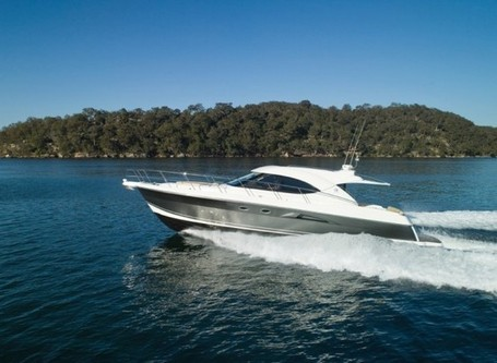 Riviera's new 53 Enclosed Flybridge Yacht debuts at Miami Boat Show