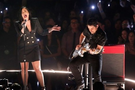 Brad Paisley Scores Career-Best Radio Adds With Demi Lovato Duet | Country Music Today | Scoop.it