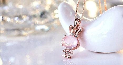 Lively Rabbit-shaped Crystal Pendant | Swarovski Crystal Necklaces | Scoop.it