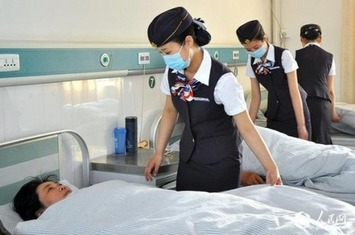 For Some Strange Reason the Nurses at This Chinese Hospital Dress Like Flight Attendants | Herstory | Scoop.it