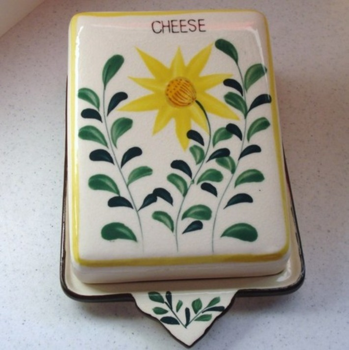 Wedge Shape Cheese Server - The Vintage Village | Antiques & Vintage Collectibles | Scoop.it