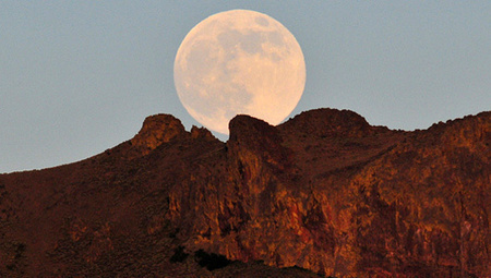 10 dazzling shots of the supermoon | Stars | Scoop.it