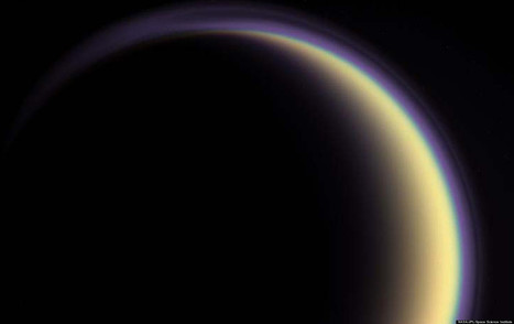 Strange Glow On Saturn's Moon Puzzles Scientists | Politically Incorrect | Scoop.it