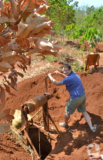 Arbres à caoutchouc et extraction minière de zircons au Cambodge : la routine quotidienne quoi ! | CAMBODIANCASSETTEARCHIVES | Scoop.it