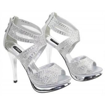 Ladies Luxury Designer sandals | Womens Clothing | Scoop.it