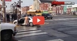VIDEO 18+: Dupa ce a intrat cu masina in firma unui fast-food, s-a dezbracat si a inceput sa se masturbeze   VDroll   Scoop.it
