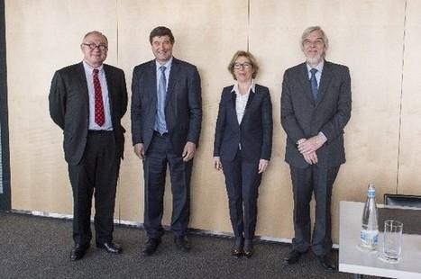 Signature d'un accord entre le CERN et l'ESA | Enseignement Supérieur et Recherche en France | Scoop.it