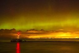 Photos : Des #aurores boréales enflamment le ciel de l'#Angleterre   Hurtigruten Arctique Antarctique   Scoop.it