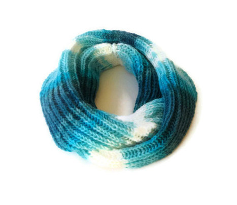 blue and white knitted woman scarf, infinity scarves , loop circle soft scarf | HANDMADE | Scoop.it