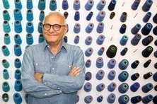 What made Max Azria take up smoking again? | Management | Scoop.it