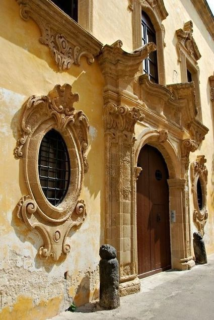 stunning drama, #Baroque architecture .. #Gallipoli province of #Lecce #Apulia southern #Italy   Baroque   Scoop.it