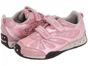 Shoes for Ellie: Buying shoes for a child with autism | Friendship Circle -- Special Needs Blog | Special Needs | Scoop.it