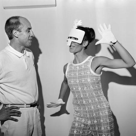 Mort d'André Courrèges, créateur de mode adepte des lignes futuristes et épurée | INTERSTYLEPARIS  Fashion News | Scoop.it