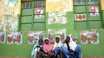 Los secuestradores amenazan con vender como esclavas a las 200 niñas secuestradas en Nigeria   Pon el Grito en el Cielo   Scoop.it