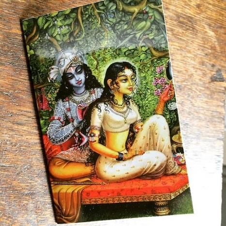 Mandali Mendrilla Van Paare sur Instagram : The face of the lovely Valentine's card from my M. ❤️ Krishna combing Radha's hair ❤️ #romance #love #valentine We are making today about… | Radha Krishna | Scoop.it
