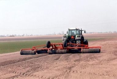 Quick Look At Some Of The Uses Of Agricultural Machinery | PDR | Harry West | Scoop.it