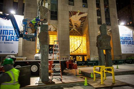Nine Massive Humans Move Into Rockefeller Center | Art et Leadership | Scoop.it