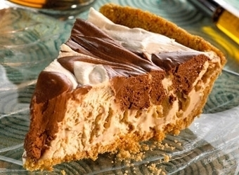 Chocolate Marbled Peanut Butter Pie | The Man With The Golden Tongs Hands Are In The Oven | Scoop.it