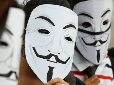 Anonymous releases how-to instructions on fooling facial recognition (VIDEO) — RT | promienie | Scoop.it