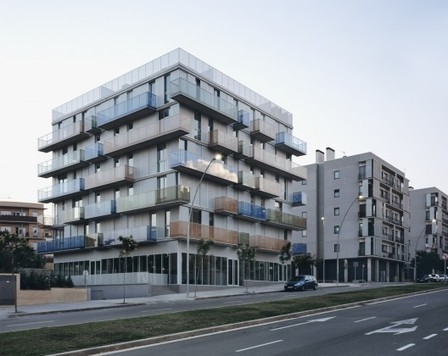 Bloque Plurifamiliar De 20 Viviendas Y Locales / Narch | Arquitectura: Plurifamiliars | Scoop.it