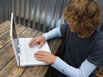 Sesso. Allarme adolescenza: il 74% dei maschi e il 37% delle femmine lo cerca su internet - Quotidiano Sanità   Lo studio dello psicologo - Web News!   Scoop.it