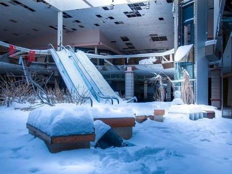 Eerie images show America's deserted theme parks, shopping malls and train stations | Visual Culture and Communication | Scoop.it