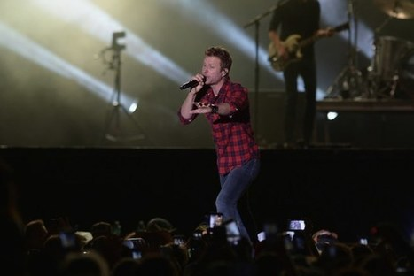 Dierks Launching Summer With Somewhere on a Beach Bash | Country Music Today | Scoop.it