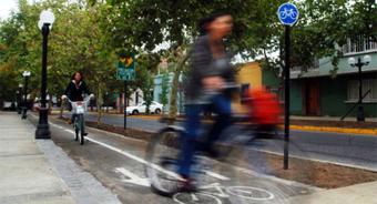 Estudio mide peligrosos niveles de contaminación en ciclovías de Santiago | Infraestructura Sostenible | Scoop.it