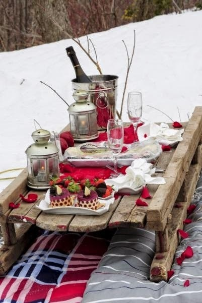 Outdoor Picnic Table Setting Idea | Wedding Catering | Scoop.it