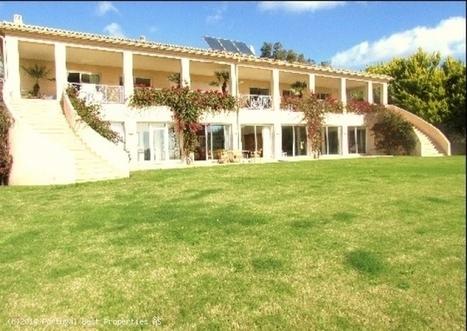 8 bedroom mansion with interior pool and seaviews in Meia Praia, Lagos | Portugal Best Properties | Scoop.it